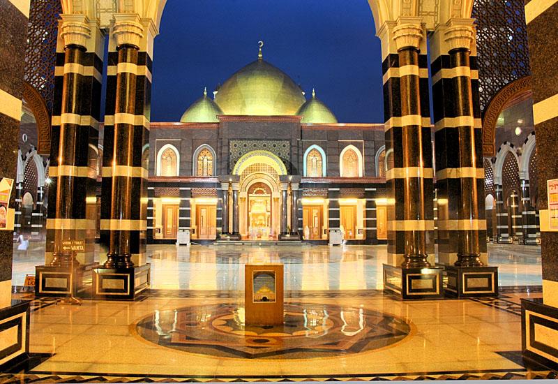 Depok Indonesia  city images : Masjid Kubah Mas, Depok Indonesia   Ibadah Haji dan Umrah
